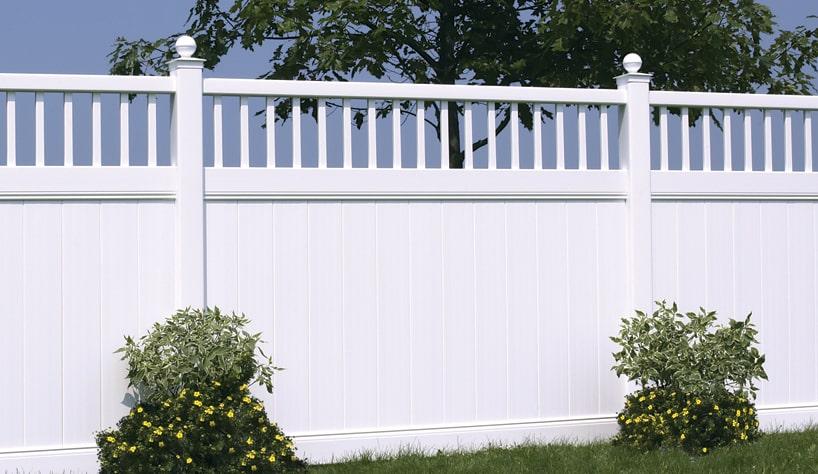 גדר פלסטיק לבנה לגינה