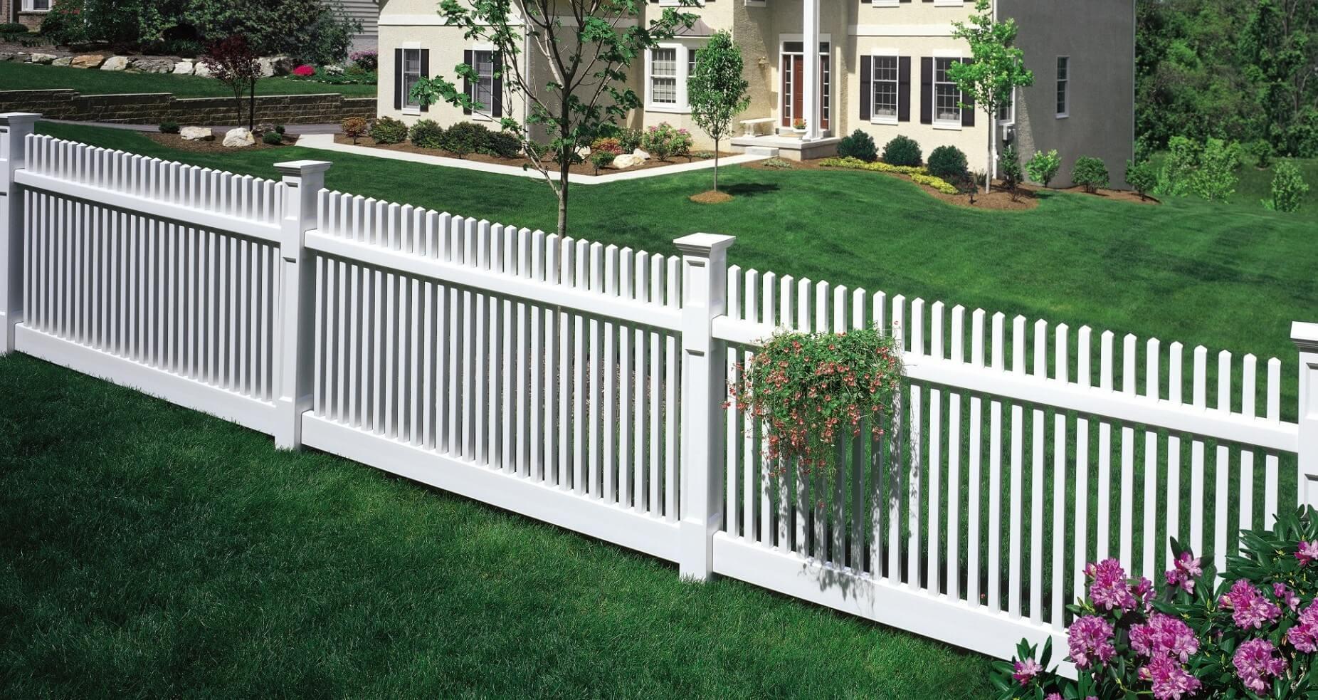 גדר לבנה לבתים פרטיים