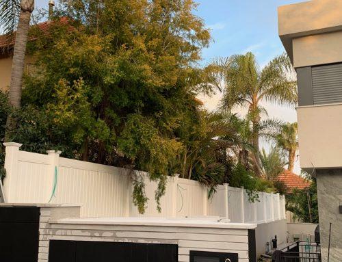 גדר אמריקאית ללא תחזוקה לגינה ברעננה