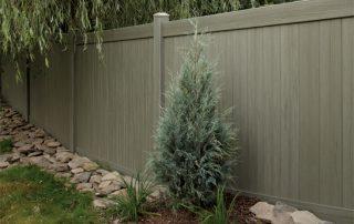 גדר דמוי עץ