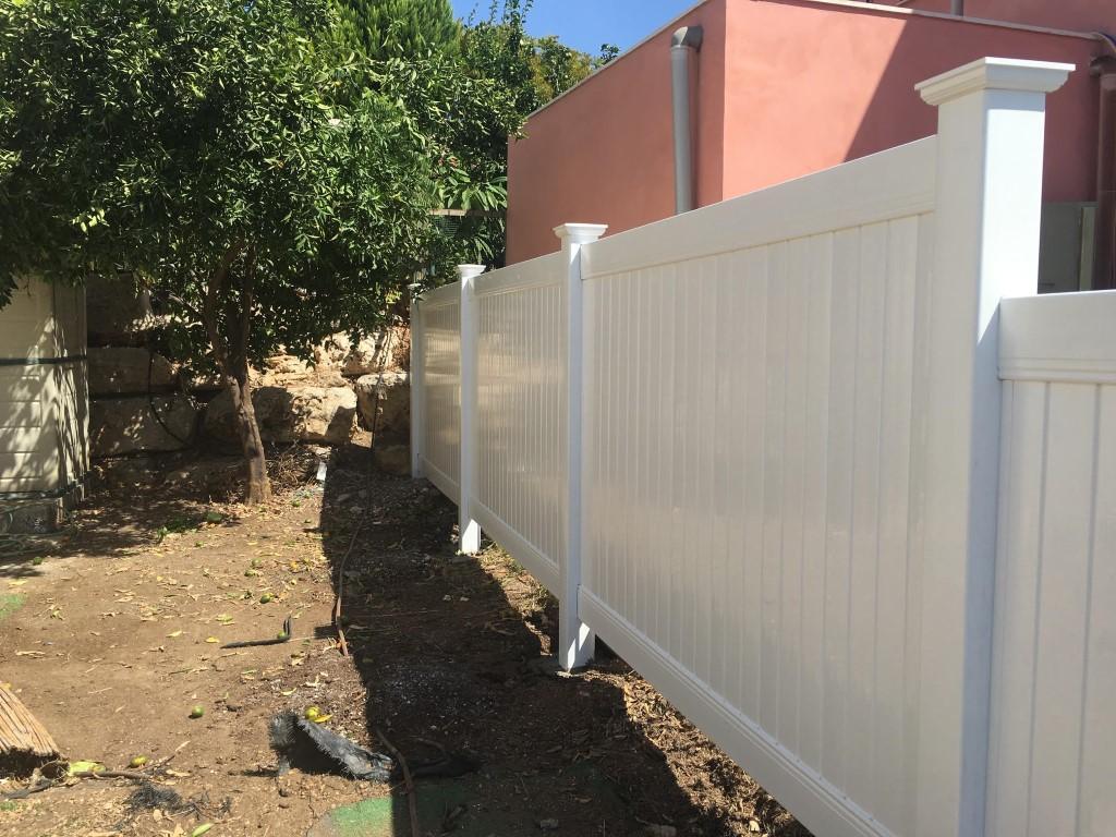 גדרות ויניל לגינה בחיפה והקריות (3)