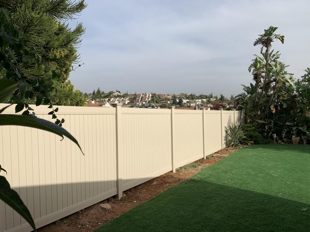 גדר פרטיות מלאה באלפי מנשה עם יציקה (1)