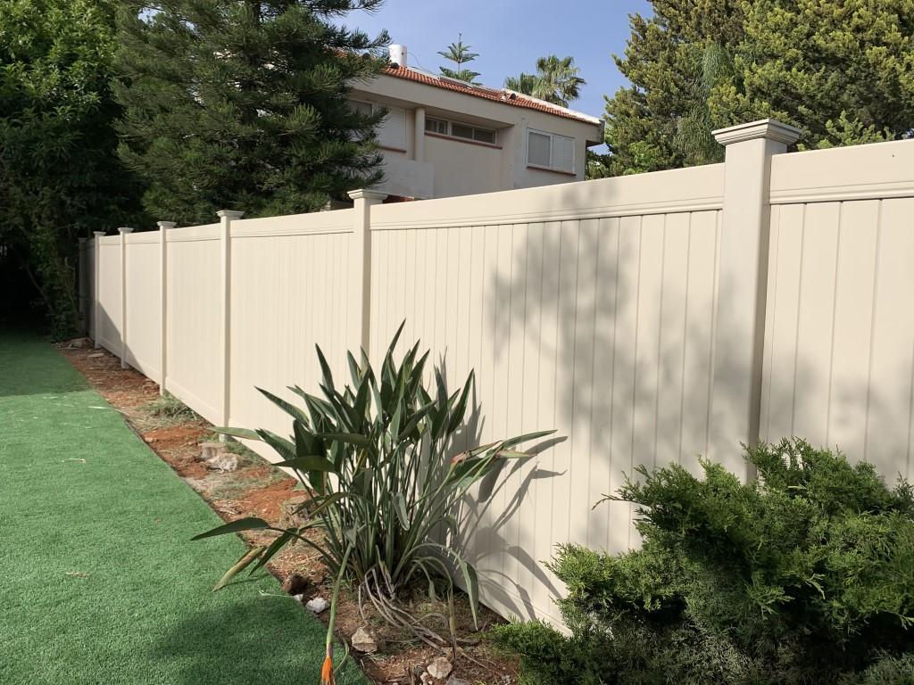 גדר פרטיות מלאה באלפי מנשה עם יציקה (2)