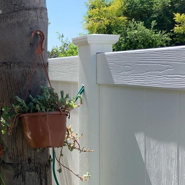 גדרות לגינה בגדרה מסוג ויניל פרימיום (1)