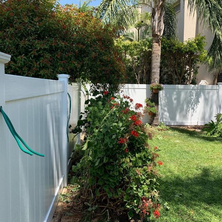 גדרות לגינה בגדרה מסוג ויניל פרימיום (4)