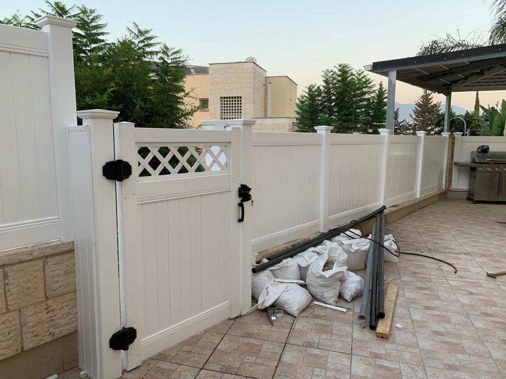 גדרות ושער לבית בכרמיאל (1)