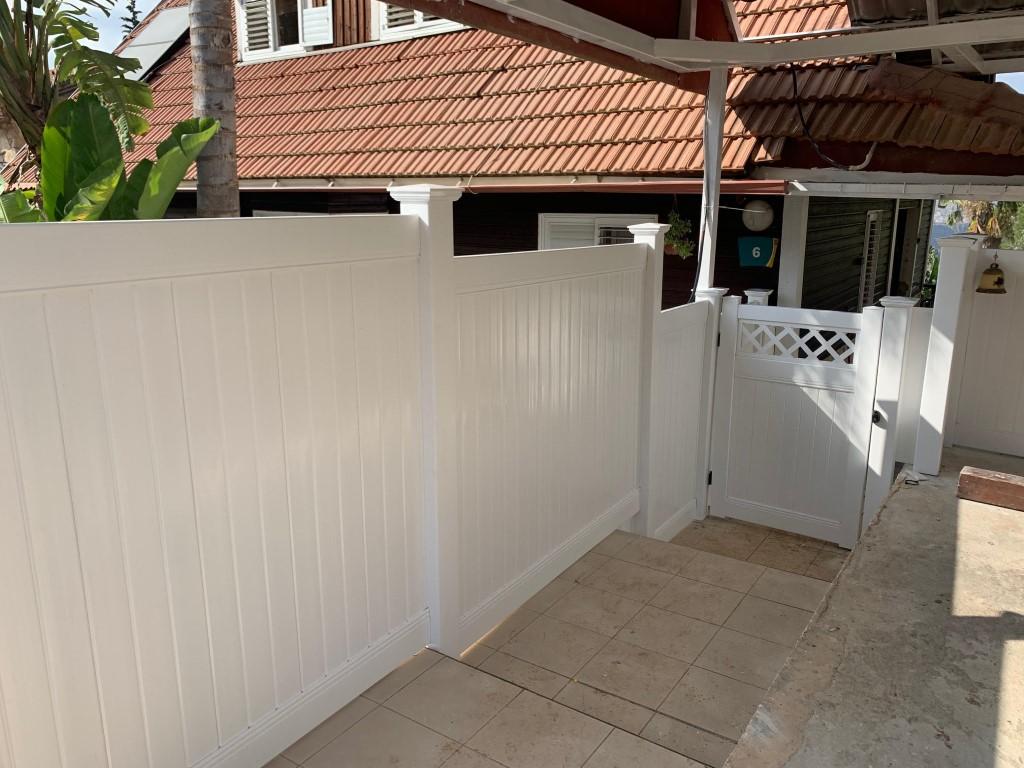 התקנת גדרות ושער לגינה באריאל (2)