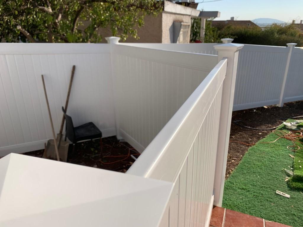 התקנת גדרות לגינה בין שכנים בטבריה (5)